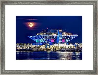 Farewell Moon Framed Print by Marvin Spates