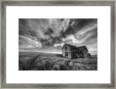 Farmhouse B And W Framed Print by Latah Trail Foundation