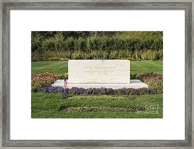 Fdr Burial Site Framed Print by John Greim