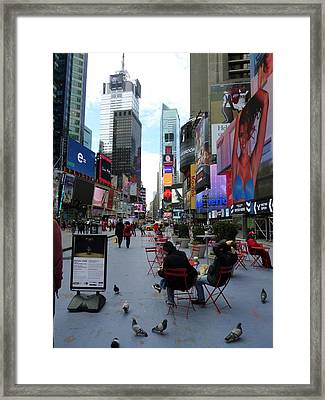 Framed Print featuring the photograph Feeding Time by Jackie Carpenter