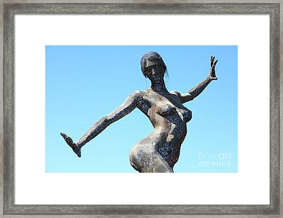 Female Sculpture On San Francisco Treasure Island 5d25349 Framed Print by Wingsdomain Art and Photography