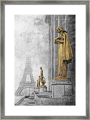 femmes de Paris Framed Print by Joachim G Pinkawa