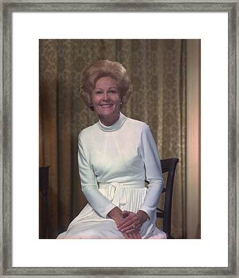 First Lady Patrician Nixon In An Framed Print
