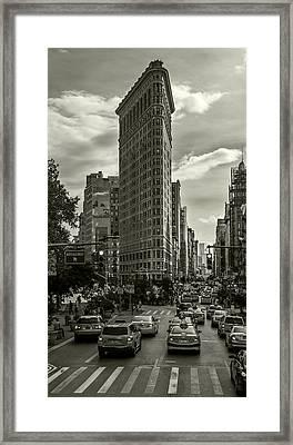 Flatiron Building - Black And White Framed Print