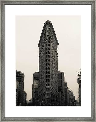 Flatiron Building - Nyc Framed Print by Nicklas Gustafsson