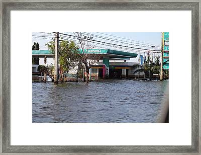 Flooding Of Stores And Shops In Bangkok Thailand - 01133 Framed Print by DC Photographer