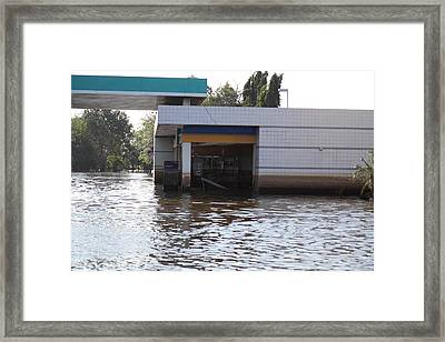 Flooding Of Stores And Shops In Bangkok Thailand - 01136 Framed Print by DC Photographer
