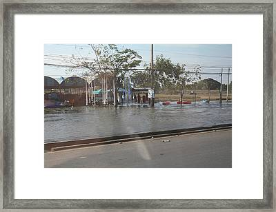 Flooding Of The Streets Of Bangkok Thailand - 01131 Framed Print by DC Photographer