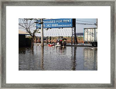 Flooding Of The Streets Of Bangkok Thailand - 01137 Framed Print by DC Photographer