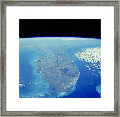 Florida Peninsula, Discovery Shuttle Framed Print by Science Source