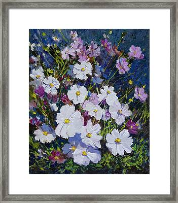 Flower_01 Framed Print