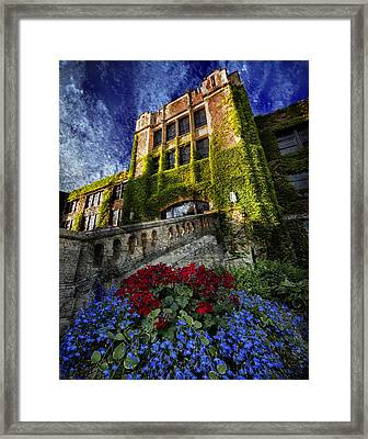 Flowers At Somsen Hall Framed Print