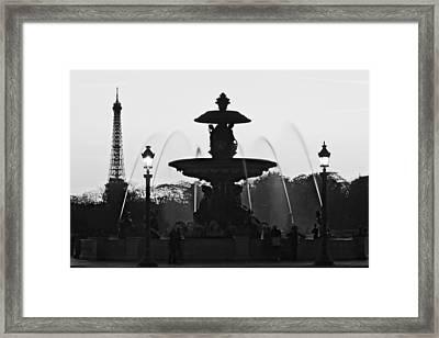 Fontaine De La Concorde Silhouette - Paris Framed Print