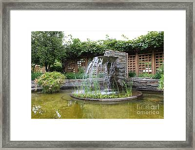 Fountain At The Historic Luther Burbank Home And Gardens Santa Rosa California 5d25912 Framed Print