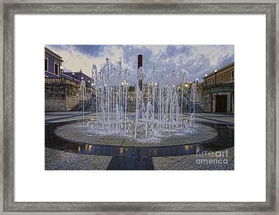 Fountain Of Plaza Del Quinto Centenario Framed Print