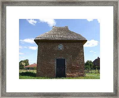 Foxton Dovecote Framed Print by Richard Reeve