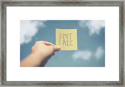 Free Framed Print by Paula Daniëlse