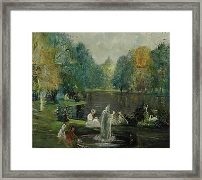 Frog Pond In Boston Public Gardens Framed Print