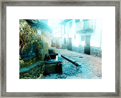 Framed Print featuring the photograph Fuente De Candelario by Alfonso Garcia
