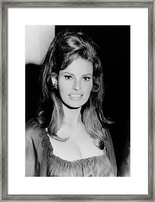 Fuzz, Raquel Welch, 1972 Framed Print by Everett