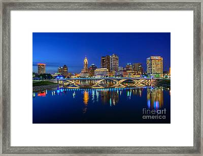 Fx2l530 Columbus Ohio Night Skyline Photo Framed Print