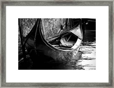 Galleggiante - Venice Framed Print