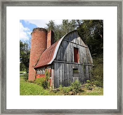 Gambrel-roofed Barn Framed Print by Paul Mashburn