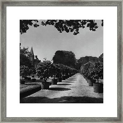 Gardens Of Twickel Castle Framed Print
