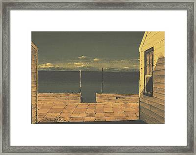 Gateway To The Sea Framed Print by Diane Strain