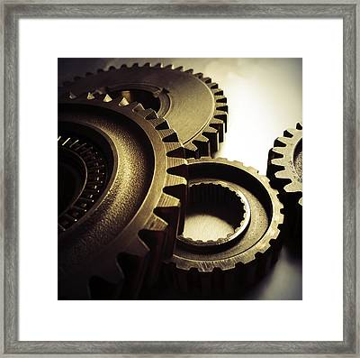 Gears Framed Print by Les Cunliffe
