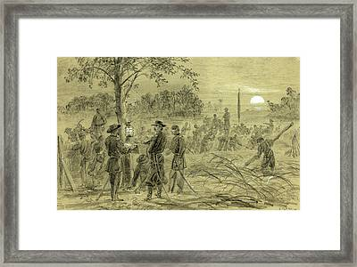 General Warren Fortifying His Lines On The Weldon Road Framed Print