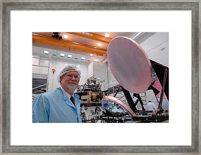 George F. Smoot With Planck Obs. Mirrors Framed Print by Science Source