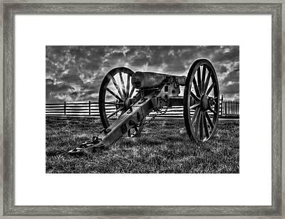 Gettysburg Battlefield Cannon Bw Framed Print by Susan Candelario