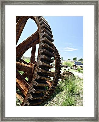 Giant Cog Framed Print by Richard Reeve