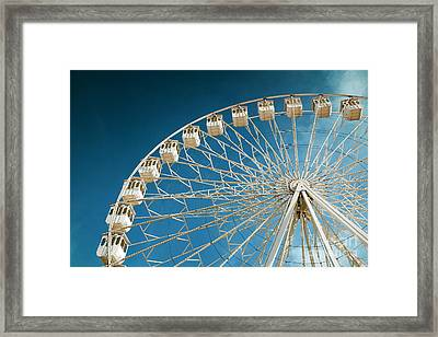 Giant Ferris Wheel Framed Print by Carlos Caetano