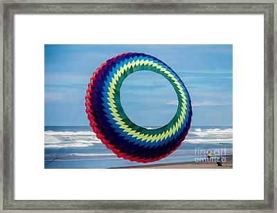 Gigantic Round Kyte Framed Print