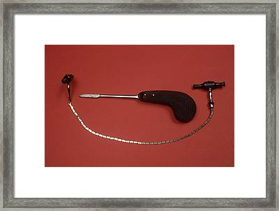 Gigli Saw And Small Bone Saw Framed Print by Science Photo Library
