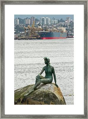 Girl In A Wetsuit Statue, Stanley Park Framed Print by William Sutton