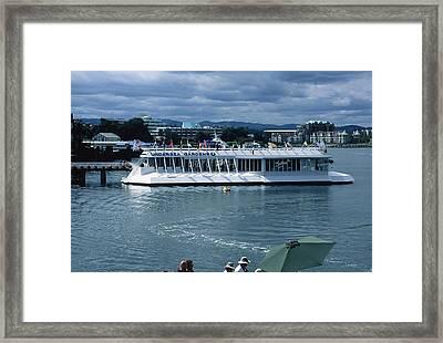 Glass Bottom Boat Framed Print by Dick Willis