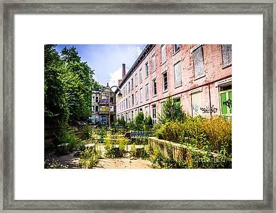 Glencoe-auburn Hotel In Cincinnati Picture Framed Print by Paul Velgos