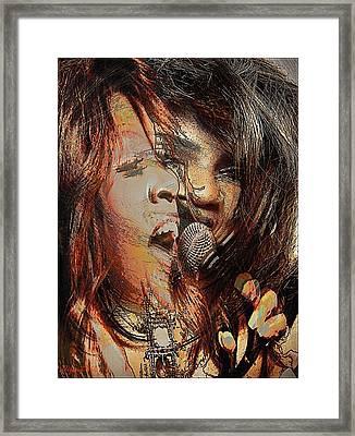 Gloria Gaynor  Framed Print by Orfeu De SantaTeresa
