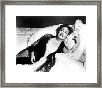 Gloria Swanson In Sunset Blvd.  Framed Print by Silver Screen