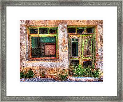 Glow Of Time Framed Print by Andreas Thust