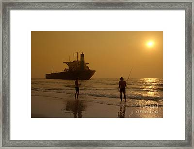 Goa Shipwreck Framed Print by Colin Woods