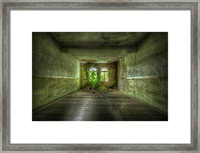 Going Gree Framed Print by Nathan Wright