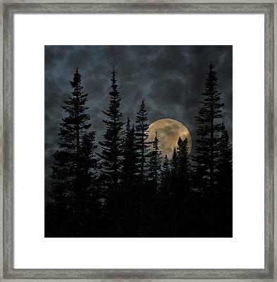 Going To The Sun Moonrise Framed Print by John Stephens