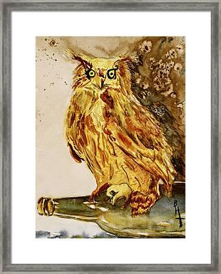 Goldene Bier Eule Framed Print by Beverley Harper Tinsley