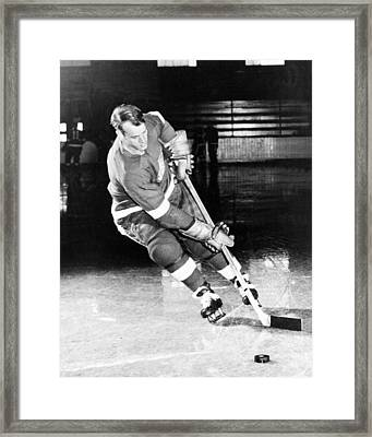 Gordie Howe Skating With The Puck Framed Print by Gianfranco Weiss