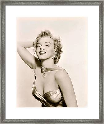 Marilyn Monroe Knows How To Pose Framed Print by Retro Images Archive