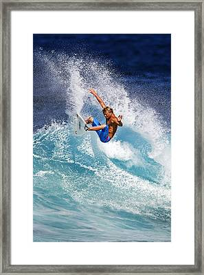 Gouging The Wave  C6j0694 Framed Print